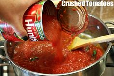 Homemade Marinara Sauce - super easy with only 6 ingredients