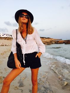 chic on the beach as easy as a pie