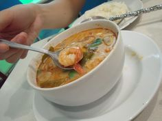 Thajská polévka skokosovým mlékem akrevetami | Jako rybička