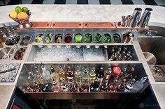 Les Bains - Cocktails bar layout designed by Agence En Place. Cocktails Bar, Bar Drinks, Gin, Bar Restaurant, Restaurant Design, Cocktail Bar Design, Bar Deco, Bar Counter Design, Game Room Bar