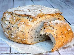 GRUNT TO PRZEPIS!: Chleb z garnka z ziarnami Bread Rolls, Freshly Baked, Bread Baking, Scones, Food To Make, Nom Nom, Bakery, Cooking Recipes, Cooking Ideas