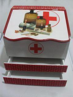 Caixa Para Remédios, Farmacinha - R$ 98,00 em Mercado Livre Painting On Wood, Origami, 98, Furniture, Home Decor, Ideas, Creative Crafts, How To Make Crafts, Wooden Crates