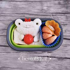 Day 56 snack: bread&butter, pomelo