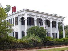 House in Columbus, MS.