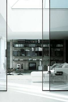 Glass doors by Rimadesio