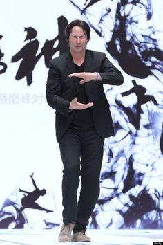 keanu reeves doing tai chi at Man of Tai Chi press conference