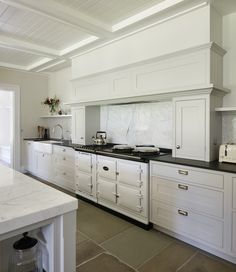 Rezos: A Traditional White Period Style Kitchen from Roundhouse ...