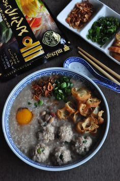 Peanuts & Preserved Vegetables with Meatballs Porridge 花生冬菜肉饺粥