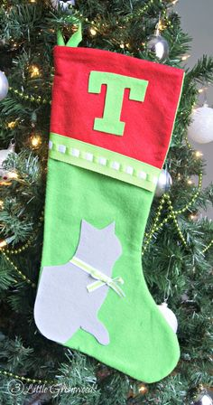 The best DIY projects & DIY ideas and tutorials: sewing, paper craft, DIY. Best Diy Crafts Ideas For Your Home Don't forget your favorite furry friends this Christmas! Make them No-Sew Christmas Stockings for Pets by Christmas Makes, Christmas Time, Christmas Crafts, Christmas Decorations, Christmas Stuff, Christmas Ideas, Christmas 2016, Tree Decorations, Outdoor Christmas Wreaths