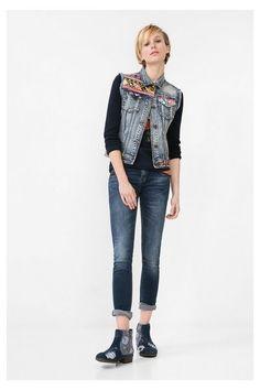 Colete de ganga Exotic Jeans Desigual. Descobre a coleção outono/inverno 2016!