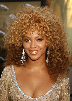 2002 from Beyoncé's Hair Through the Years You go, curl! The Austin Powers in Goldmember actress brought the 70's vibe off-screen with this voluminous 'do.