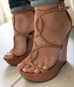 @meupezinho34 #feetporn #feetfetish #shoesporn #highheels #feetjob #sexyfeet #feetporn #sexywoma #shoes #solesfetish #highheelshoes #shoesjob #passionfeet #shoeslove18