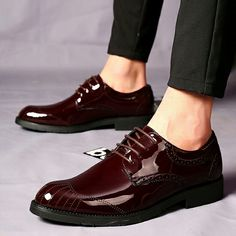 US $28 New Arrival Retro Men Business Shoes Shiny Patent Leather Pointed Toe Dress Shoes Mens Wedding Calcados Black Red Burgundy