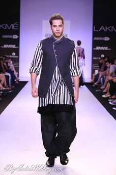 Archana Kochhar Lakme Fashion Week Archana Kochhar Collection, Designs, Fashion Shows, Mens Fashion, Pictures and Photos on Bigindianwedding Mens Indian Wear, Indian Men Fashion, Indian Man, Mens Fashion, Indian Ethnic, Wedding Men, Wedding Suits, Wedding Dresses, Brunette Bride
