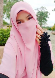 Beautiful Muslim Women, Beautiful Hijab, Beautiful Birds, Beautiful Dresses, Niqab Fashion, Face Veil, Hijab Niqab, Muslim Beauty, Muslim Women Fashion