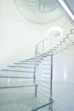 Circular floating staircase (glass steps) GLASS Marretti