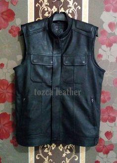 Detail Produk:  1.Bahan kulit domba Super 2.Zipper Ykk (Anti Slip) 3.Pouring dormil (tidak panas) 4.Free Lotion Perawatan 5.100% Garansi 3 Tahun. 6.Free Tas Khusus Jaket  Tlp/Wa: 082126426809  #jaketrompi #jaketkulitbikers #jaketkulitgarut Best Flannel Shirts, Dan, Vest, The Originals, Model, Leather, Jackets, Fashion, Sweater Vests