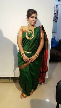 Cute Woman, Pretty Woman, Beautiful Saree, Beautiful Women, Nauvari Saree, Indian Heritage, Indian Beauty Saree, India Beauty, Beauty Women