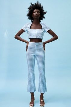 9 Chic AF Outfits to Copy This Summer | The Everygirl Womens Co Ord Sets, Chic Summer Outfits, Olive Dress, Online Zara, Blazer And Shorts, Capsule Outfits, Blue Gingham, Summer Essentials, Latest Trends