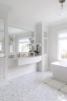 All white bathroom design ideas Bathroom Floor Tiles, Bathroom Layout, Bathroom Interior Design, Bathroom Wall, Gold Bathroom, Bathroom Colors, Bathroom Cabinets, Turquoise Bathroom, Mosaic Bathroom