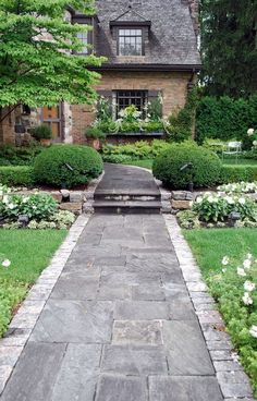 Affordable front yard walkway landscaping ideas - All For Garden Front Yard Walkway, Front Path, Front Yard Landscaping, Landscaping Ideas, Walkway Ideas, Front Yards, Patio Ideas, Backyard Ideas, Slate Walkway