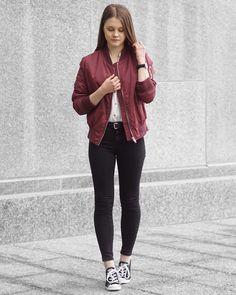 A Little Detail - Rut & Circle Burgundy Bomber Jacket // White Button Up // Black Skinny Jeans // Converse Sneakers // #outfit #springfashion #fallfashion #burgundybomberjacket #bomberjacket #conversesneakers