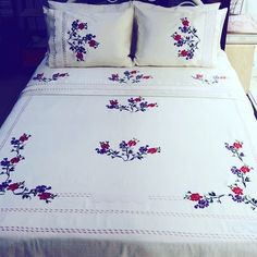 Embroidered bedspreads – Home Decorating Floral Embroidery Patterns, Hand Embroidery Flowers, Hand Embroidery Stitches, Hand Embroidery Designs, Bed Sheet Painting Design, Fabric Painting, Floral Bedspread, Creative Wall Decor, Embroidered Bedding