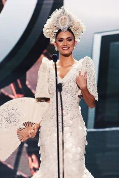 Pia Wurtzbach, Miss Philippines in National Costume, Miss Universe 2015 Philippines Dress, Miss Philippines, Philippines Fashion, Philippines Culture, Modern Filipiniana Dress, Miss Universe Philippines, Filipino Wedding, Filipina Beauty, Pageant Gowns