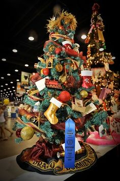 "Dawn Danner's ""Harry Potter"" tree from this year's Fantasy of Trees exhibit. Description from pinterest.com. I searched for this on bing.com/images"