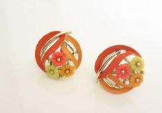 Vintage 1940s  Lisner   Floral orange and by ThePookiesJewelryBox, $5.95