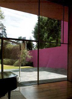 Vista hacia el jardín de la Casa Galvez, calle Pimentel 10, Chimalistac, México DF, 1955 Arq. Luis Barragán Foto. Armando Salas Portugal View to the garden, Casa Galvez,Chimalistac, Mexico City, 1955
