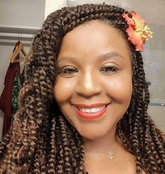 quick-braid-hairstyles-with-weave black woman girl with dark skin pretty smile Senegalese Hairstyles, Quick Braided Hairstyles, Protective Hairstyles, Short Senegalese Twist, Senegalese Twist Crochet Braids, Twist Extensions, Braid In Hair Extensions, Quick Braids, Kanekalon Braiding Hair