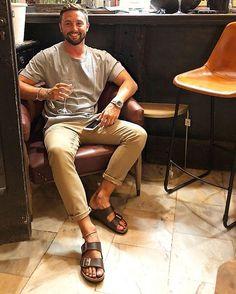 Birkenstock Sandals Outfit, Birkenstock Men, Handsome Men Quotes, Handsome Arab Men, Beautiful Women Quotes, Beautiful Tattoos For Women, Mode Masculine, Italy Fashion, Mens Fashion
