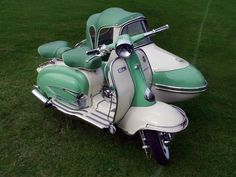1961Vintage Lambretta TV175 Scooter & Sidecar. This is sweet. I would never go in the side car, but it's such a cute combo.