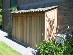 tuinkast voor kussens etc www.nl nice for your grill Pergola Attached To House, Pergola With Roof, Garden Structures, Outdoor Structures, Small Sheds, Bike Shed, Pergola Lighting, Small Buildings, Building A Shed