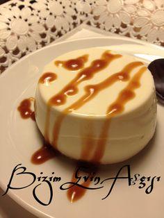 İtalyanların meşhur sütlü tatlısı Panna Cotta (pişmiş krema), birkaç denemeden sonra bu tarifi sevdim, hafif ve yapımı kolay tatlı, değiş...