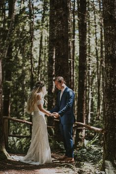 This forest first look is hitting us in the feels | Image by Hinterland Stills #bohowedding #bohemianwedding #wedding #earthywedding #weddinginspiration #forestwedding #weddingphotography #bride #bridalfashion #bridalinspiration #groom #groominspiration #firstlook #weddingportrait