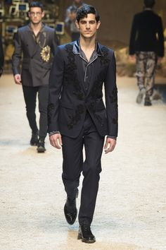 Dolce & Gabbana Fall 2016 Menswear Fashion Show
