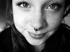 Piercing de nariz, septum.
