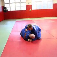 Awesome jiu jitsu submissions, admire this smooth jiu jitsu move and nice BJJ technique. Martial Arts Training Equipment, Martial Arts Workout, Boxing Workout, Jiu Jitsu Training, Mma Training, Martial Arts Styles, Martial Arts Techniques, Judo, Jiu Jitsu Moves