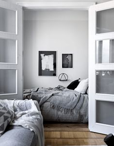 Simple modern bedroom ideas picture for simple modern apps boy wall classic grey guys couples small Bedroom Design Inspiration, Decoration Inspiration, Interior Inspiration, Home Bedroom, Modern Bedroom, Bedroom Decor, Bedroom Ideas, Master Bedroom, Scandinavian Interior Bedroom