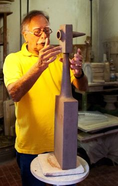 artigiano bruno gambone ceramic artist at work