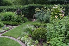 Jens Jensen in Hawthorn Garden | private nook in the hawthorne hedge.