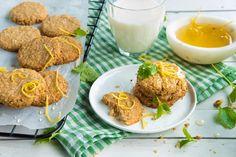 Oppskriften får du her. Healthy Cookies, Frisk, Flora, Lunch Box, Snacks, Baking, Eat, Breakfast, Desserts