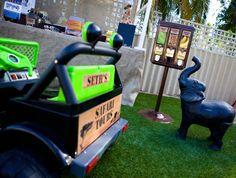 Safari Sweet Shop Guest Dessert Feature - safari tours on the jeep, too cute