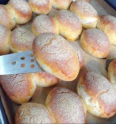 Bulgarian Bread Recipe, Bulgarian Recipes, Arabic Dessert, Arabic Food, Arabic Sweets, Bread Recipes, Baking Recipes, Bunny Bread, Homemade Dinner Rolls