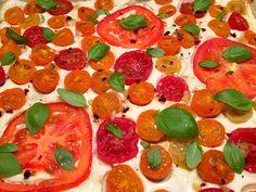 Butterdejstærte med tomater og gedefetacreme