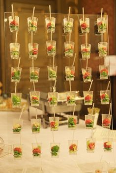 Bicchierino di salsiccia di Bra con mandorle & erbe spontanee