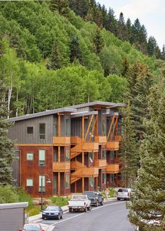Charles Cunniffe Architects completes affordable housing complex in Colorado ski town Boarding House, Mountain Homes, Affordable Housing, House Made, Amazing Architecture, Tiny House, Colorado, Architects, House Styles