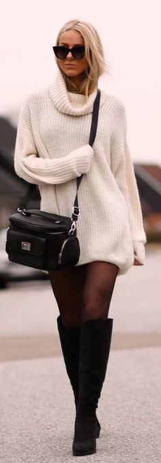 Oversized sweaters are perfect for winter date night outfits!